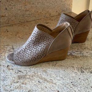 Cute beige heels